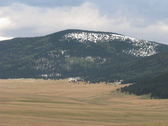 Valles Caldera National Preserve: view with snow