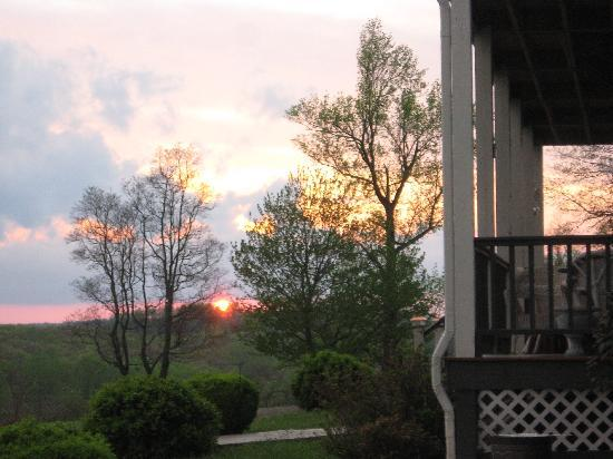 Inn at Orchard Gap: Sunset at Inn