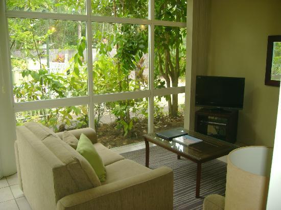 Tropical Nites: Lounge room