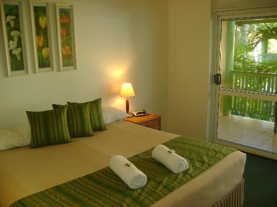 Tropical Nites: King bedroom