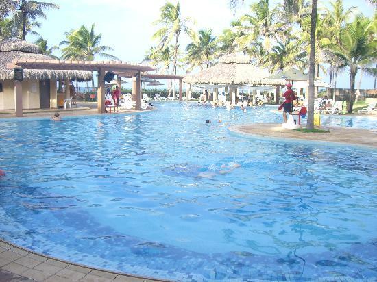 Suites Beach Park Resort: swimming pool