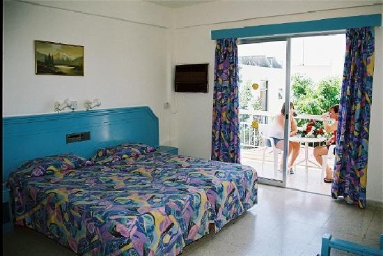Mastronapa Apartments : the hotel is fully re-innovated in 2008
