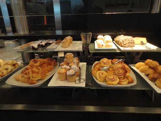 Hilton Buenos Aires: Boa confeitaria no café da manhã