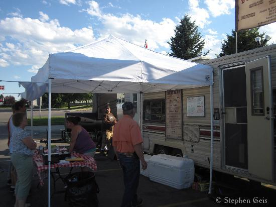 Double Barrel BBQ: BBQ in the park