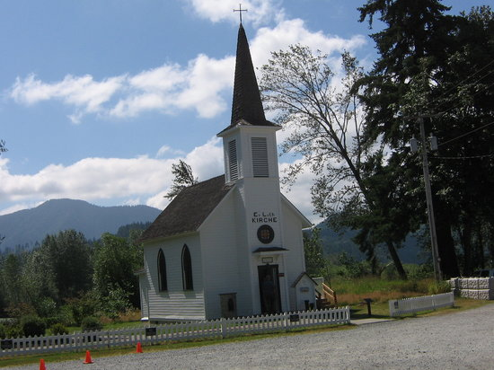 Elbe, WA: Tiny Chapel.....