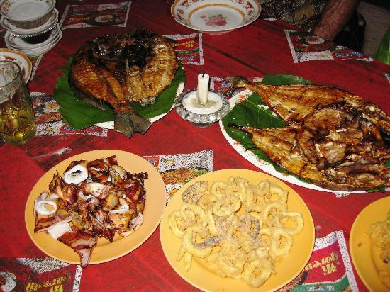 Lorin Hotel & Resort: Grilled seafood dinner at local restaurant nearby