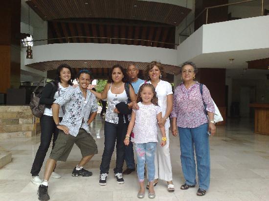 Vamar Vallarta All Inclusive Marina and Beach Resort: familia