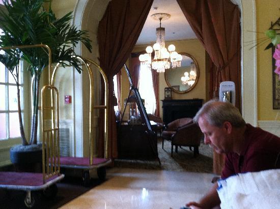 The Mills House Wyndham Grand Hotel: Concierge desk