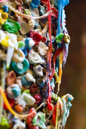 Shutter Tours - Day Tours : Gum Wall @ Post Alley