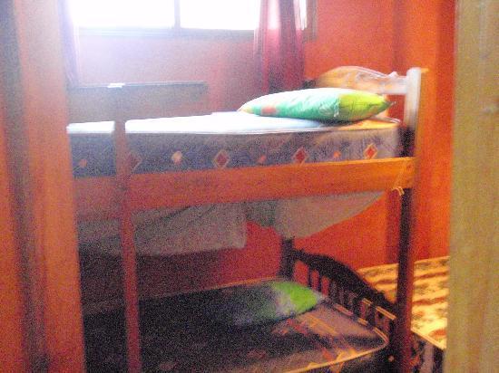 Hostal Montezuma: Twin bunk beds