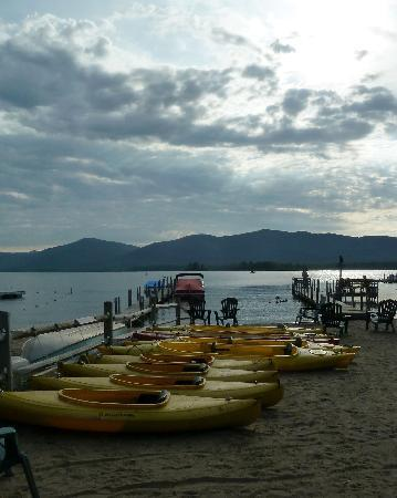 Golden Sands Resort on Lake George : Beach view 2