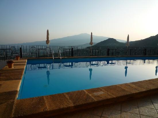 Sole Castello: Etna view over the pool