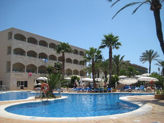 Hotel Riu Costa del Sol : The pool area