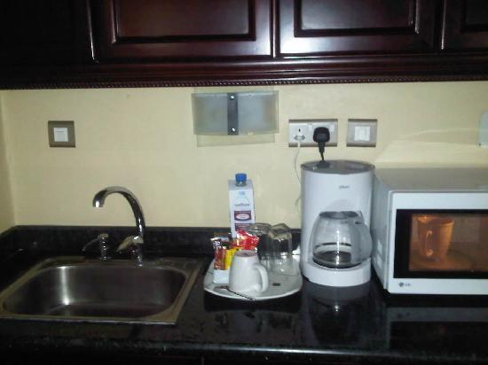 Hawthorn Suites by Wyndham Abuja: Sink area