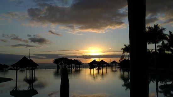 Gran Melia Palacio de Isora Resort & Spa : sunset - design really is this nice