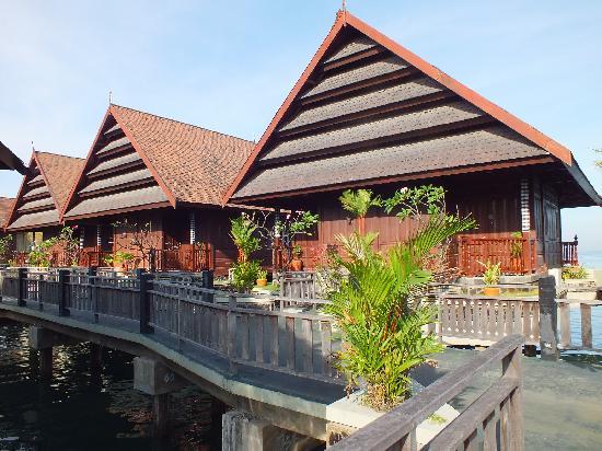 Hotel Pantai Gapura Makassar: Sea View Cottage ext