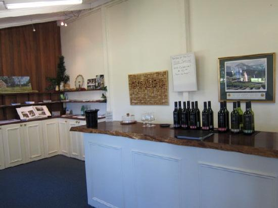Yarra Valley Private Winery Tours 5 Oaks cellar door & Seville Hill Vineyards - Picture of Yarra Valley Private Winery ...