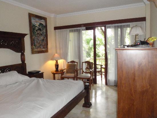 Hotel Kumala Pantai: Ambassador Suite King Bedroom