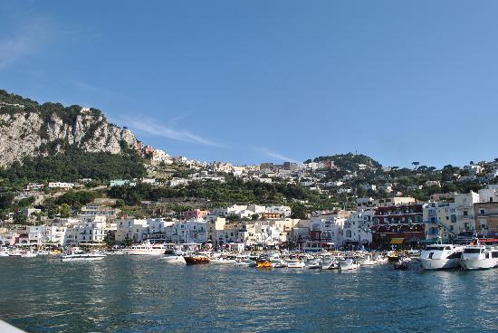 Hotel Villa Margherita: Capri harbour