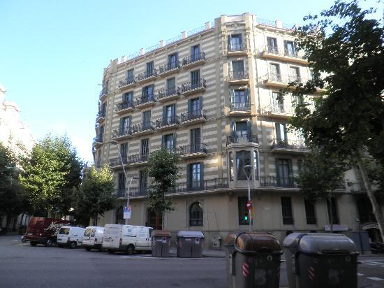 BarcelonaBB: The apartment building