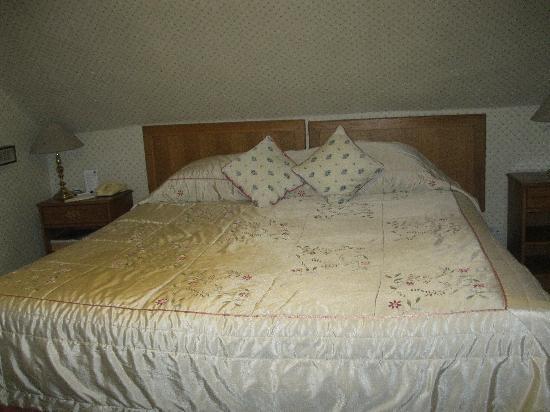 Burt's Hotel: Double Bedroom