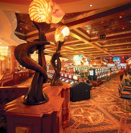 GrandWest Casino and Entertainment World: Casino Slots Area