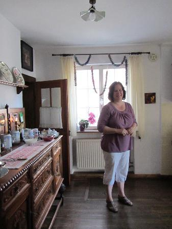 Altes Doktorhaus Bed & Breakfast: Ruth, the travel angel...