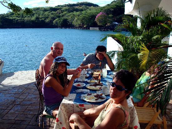Meanguera del Golfo, El Salvador: Petit déjeuner salvadorien sur la terrasse
