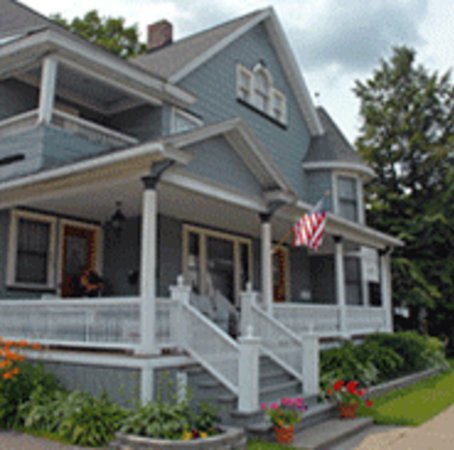 1892 Seneca Inn: The house