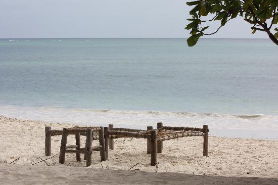 Kichanga Lodge: Les transats de la plage :)