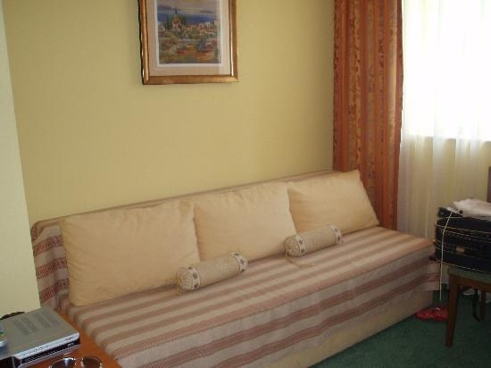 Ciovo Island, Croácia: our nicely decorated room