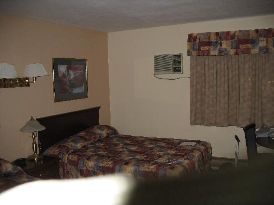 Scott's Inn and Restaurant - Kamloops: Room 149