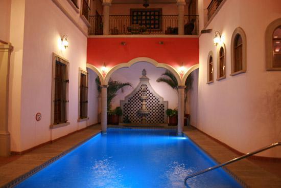 Sayula, México: Bella casona con una alberca increíble.