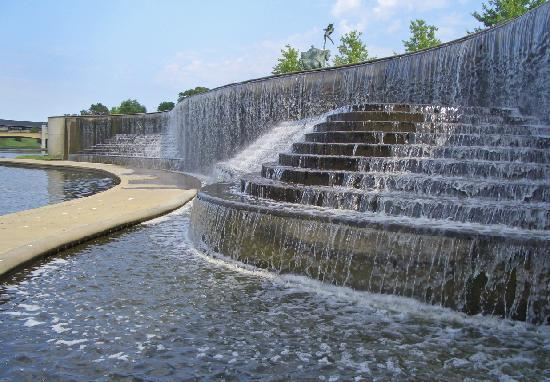 KC Fountains : Volker Fountain