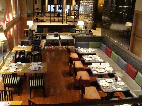 City Suites Taipei Nanxi: 無料のドリンクやPCのあるロビー