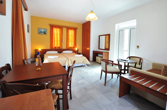 Anna-Ageliki Apartments: nice beds