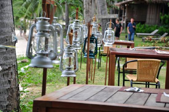Haadtien Beach Resort: ready for dinner?