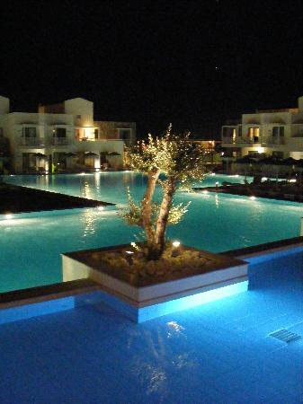 Diamond Deluxe Hotel & SPA - Adults Only: Pool at night