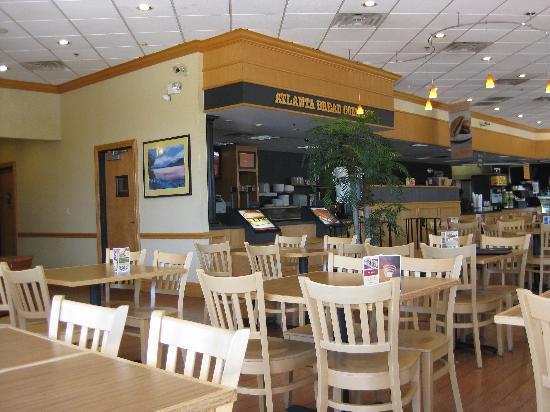 Atlanta Bread Company: Interior