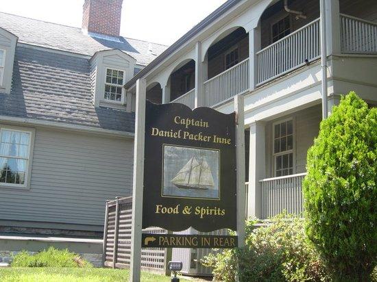 Captain Daniel Packer Inne Restaurant and Pub : The DPI
