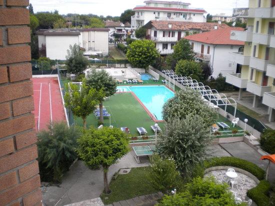 Hotel K2 : La piscine