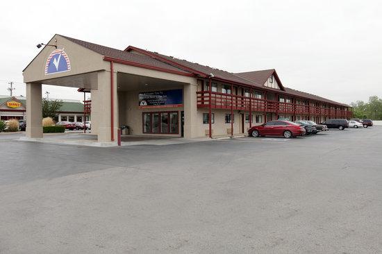 أميريكاز بست فاليو إن أوكلاهوما سيتي: Front drive entrance
