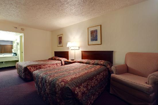 Americas Best Value Inn Oklahoma City/I-35 South: Two full size room