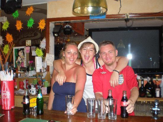 Cheers Bar : we love this bar!
