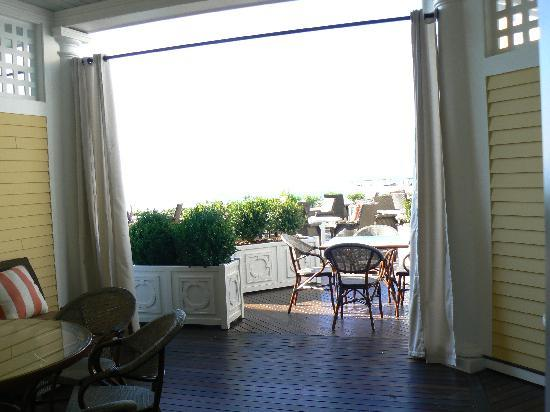 Watch Hill, RI: The private terrace opened up to a larger, lovely open space