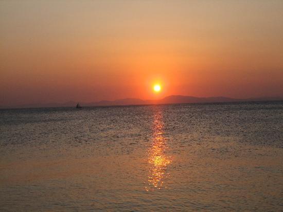 Leda Village Resort : solnedgang