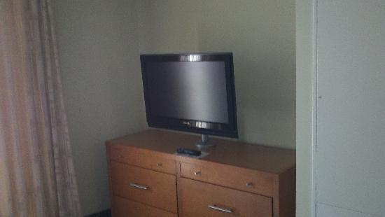 HYATT house Hartford North/Windsor: tv in bedroom