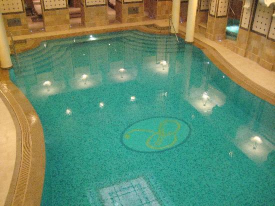 Corinthia Hotel Budapest: Pool