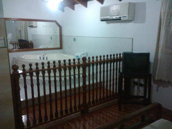 Hotel El Porton: Jacuzzi 1