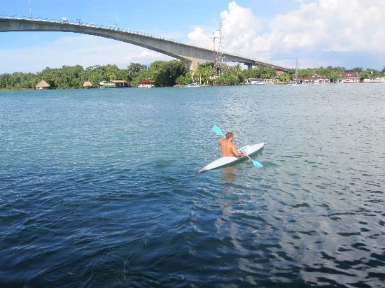Isla Xalaja: kayaking infront of the resturant